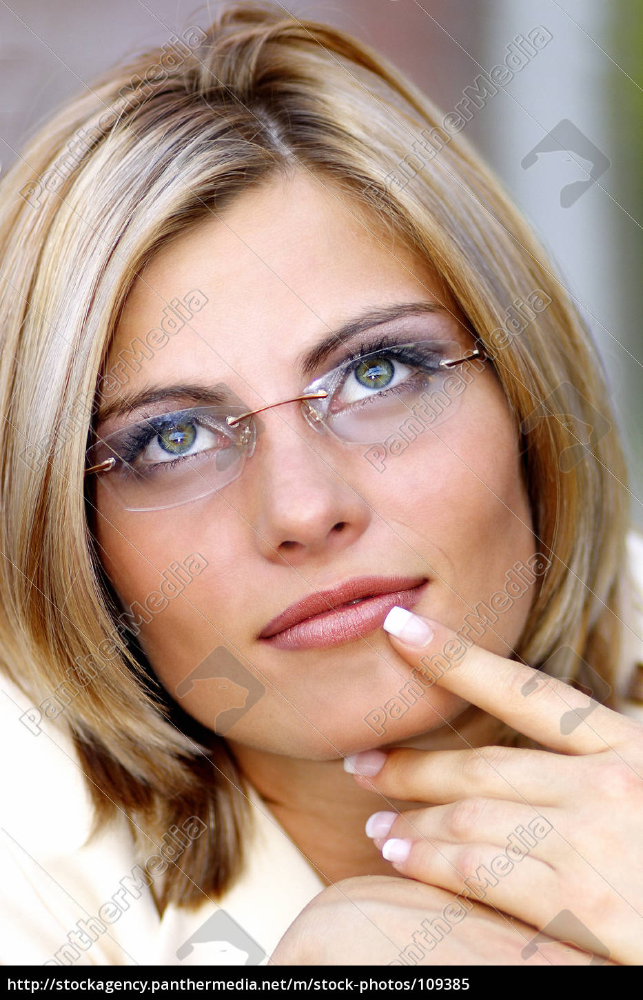 woman, with, glasses, in, business, look - 109385