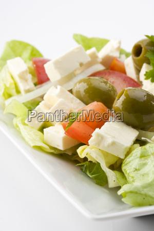 detail eines griechischen salates auf einem