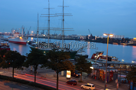 museum, ships, in, the, evening - 2104399