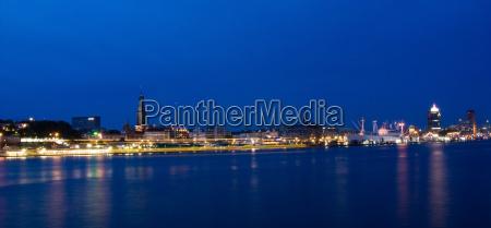panorama nacht im hafen