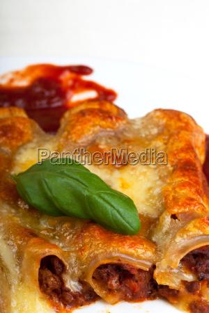 cannelloni mit tomatensauce