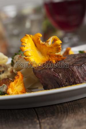 steak mit pfifferlingen und nudeln