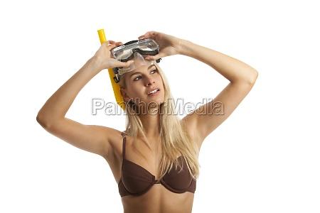 frau mit einer tauchermaske