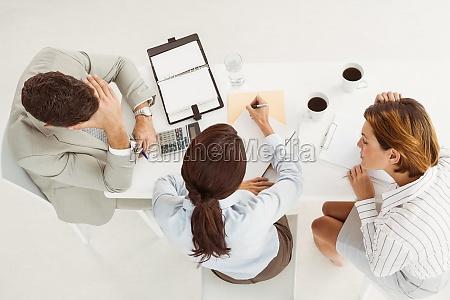 gente de negocios en reunion en