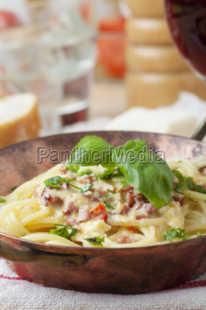 closeup von spaghetti carbonara