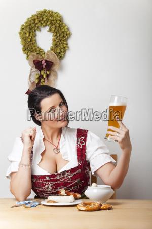 kobieta womane baba tradycyjne bawarski dirndl