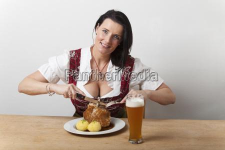 kobieta womane baba bawarski dzielic siedzac