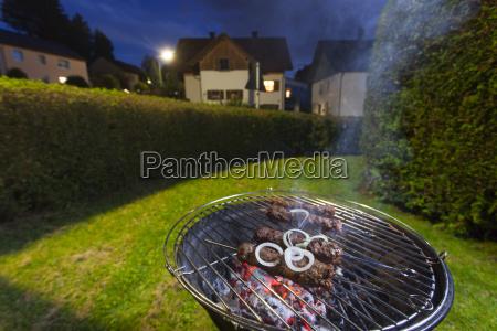 hackfleischspiesse auf dem grill