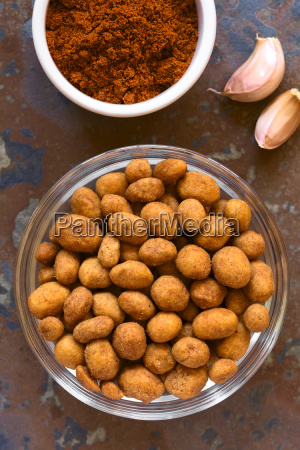 roasted peanuts in spicy coat