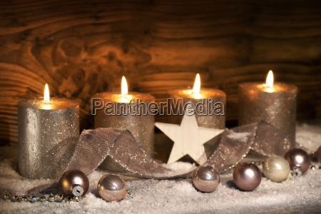 advent motifs with four candles