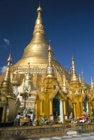 shwedagon paya shwe dagon pagoda buddhist