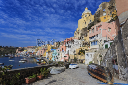 marina corricella pretty fishing village colourful